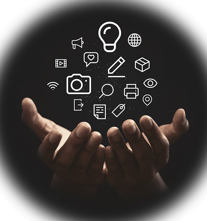 To hender som holder markedsførings symboler